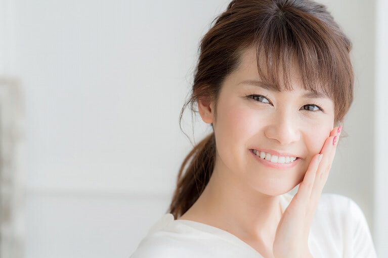 セラミックの歯は虫歯予防効果もある