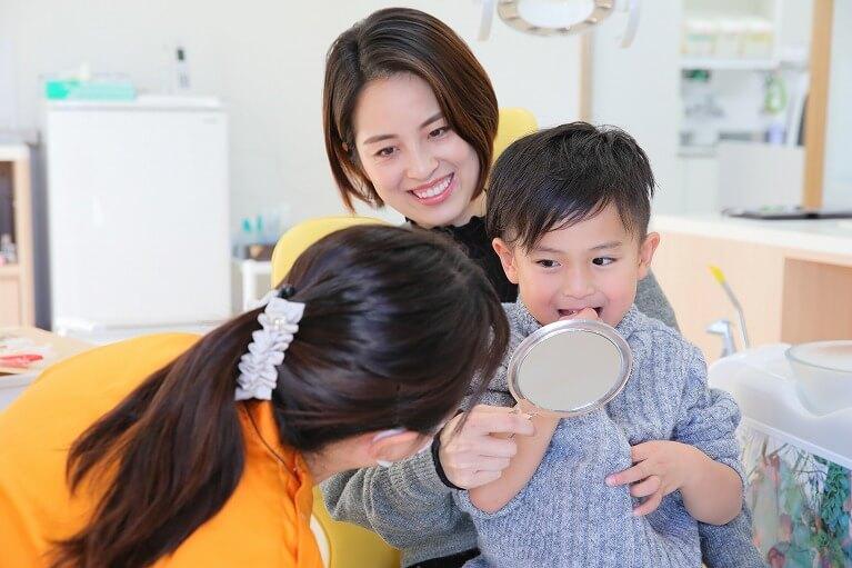 お子様の乳歯の歯並びで気になるところはありませんか?